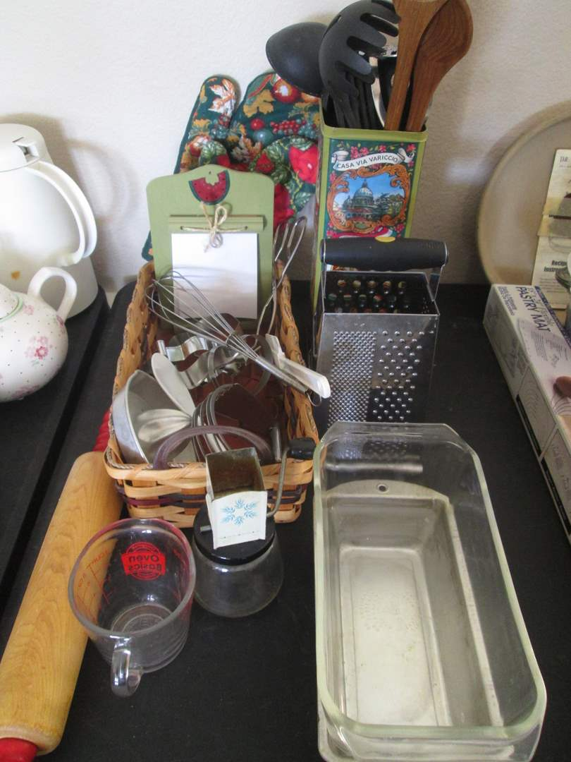 Lot # 223 - Variety of Bakeware, Pyrex & Kitchen Tools (main image)