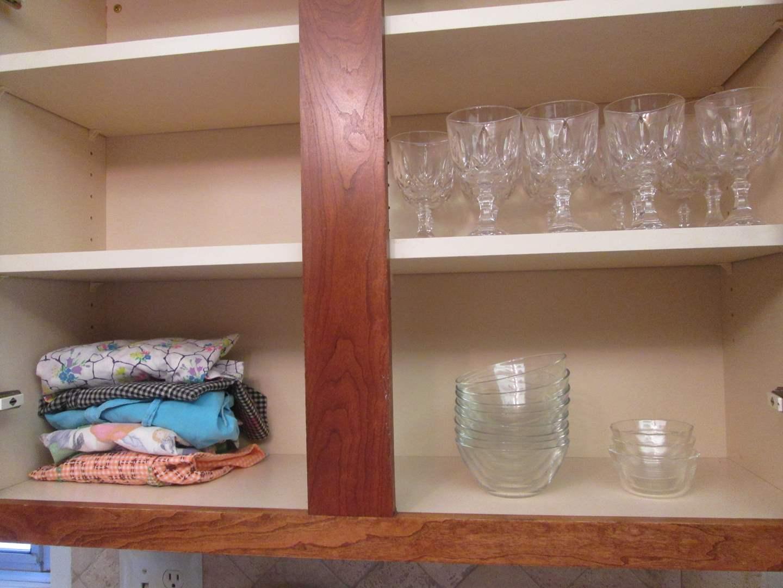 Lot # 261 - Glassware Stems, Bowls & Aprons (main image)