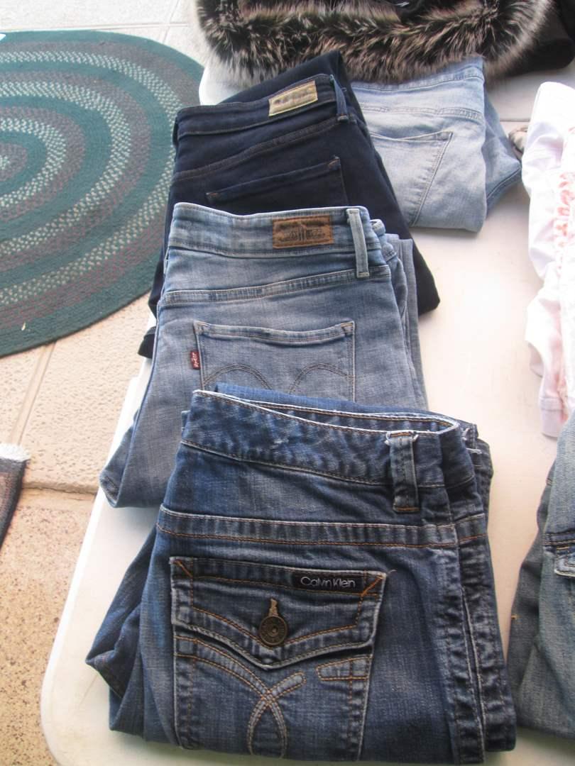 Lot # 276 - 4-Pair Ladies Jeans (12/14) (main image)