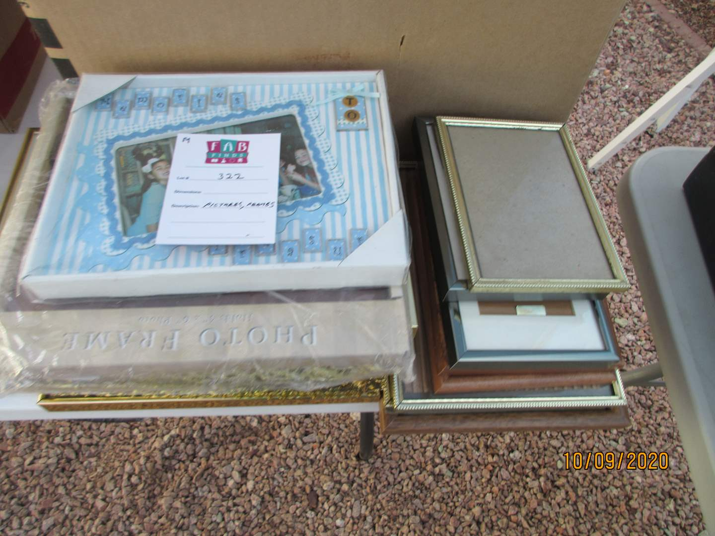 Lot # 322 - Pictures & Frames (main image)