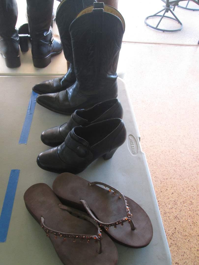 Lot # 286 - Shoes & Cowboy Boots ( 7 1/2 & 8 ) (main image)