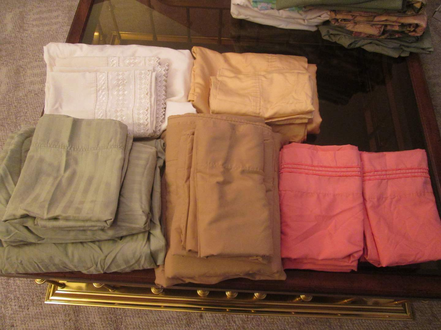 Lot # 293 - King Size Sheets & Pillow Cases (main image)