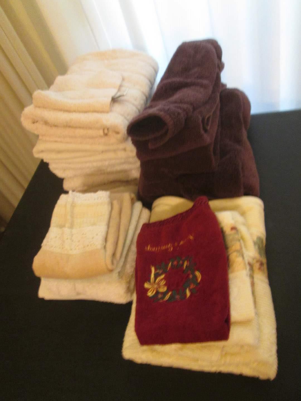 Lot # 292 - Towels (main image)