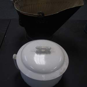Lot # 34 - Vintage Covered Chamber Pot & Coal Scuttle