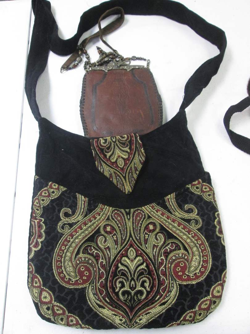 Lot # 40 - Piper's Crossing Purse + Leather Pouch (main image)