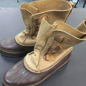 Lot # 56 - Sorel Iconic Hand Crafted Boots, Leather, Waterproof, Made Canada.  Need Liners!