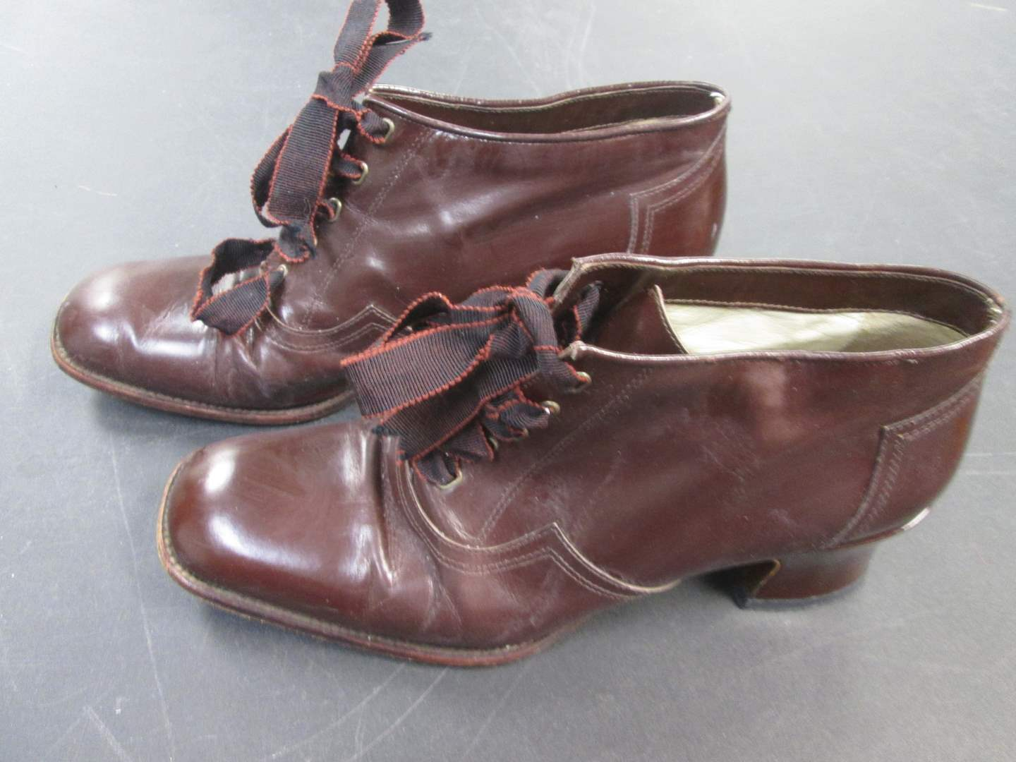 Lot # 60 - Vero Cuoio Boot Shoes, Italy, Size 37 1/2 (main image)