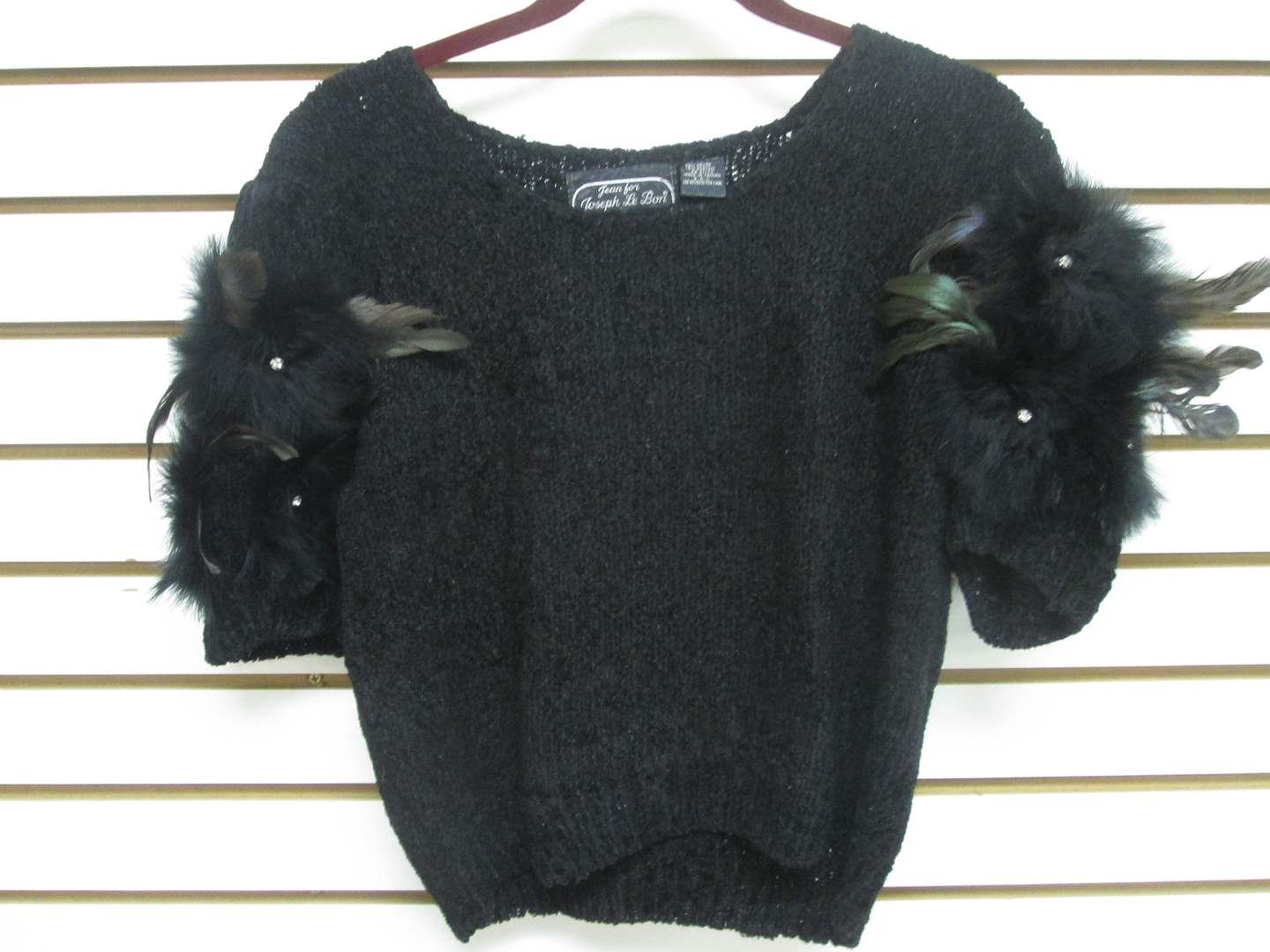 Lot # 94 - Designer-Label Sweater with Feathers (M) (main image)