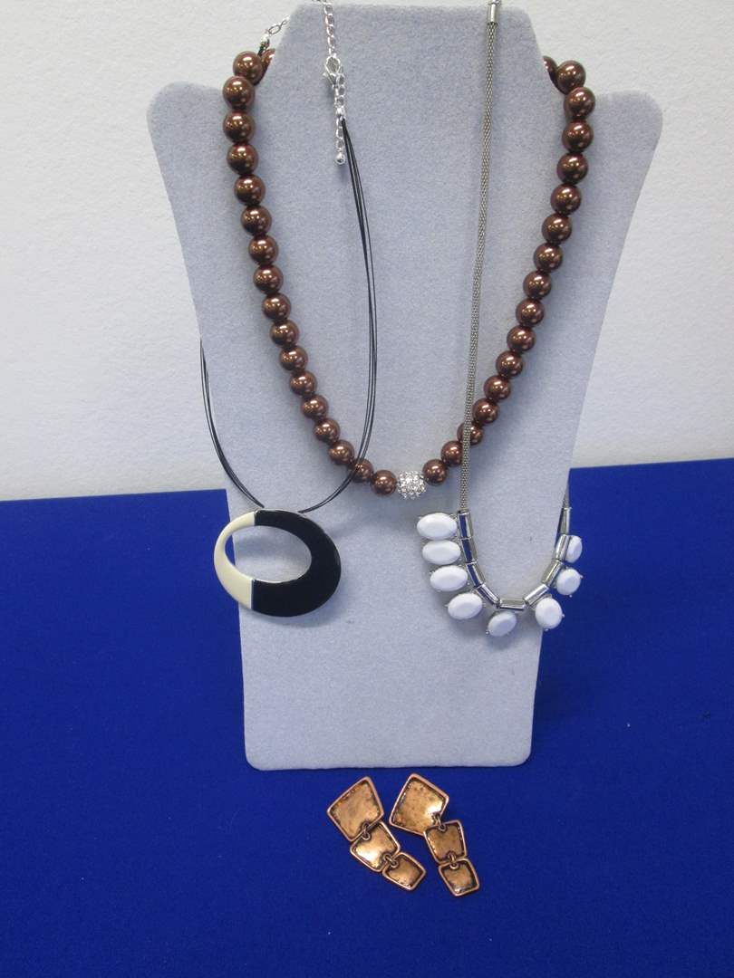 Lot # 119 - 3-Costume Jewelry Necklaces & 1-Pair Earrings (main image)