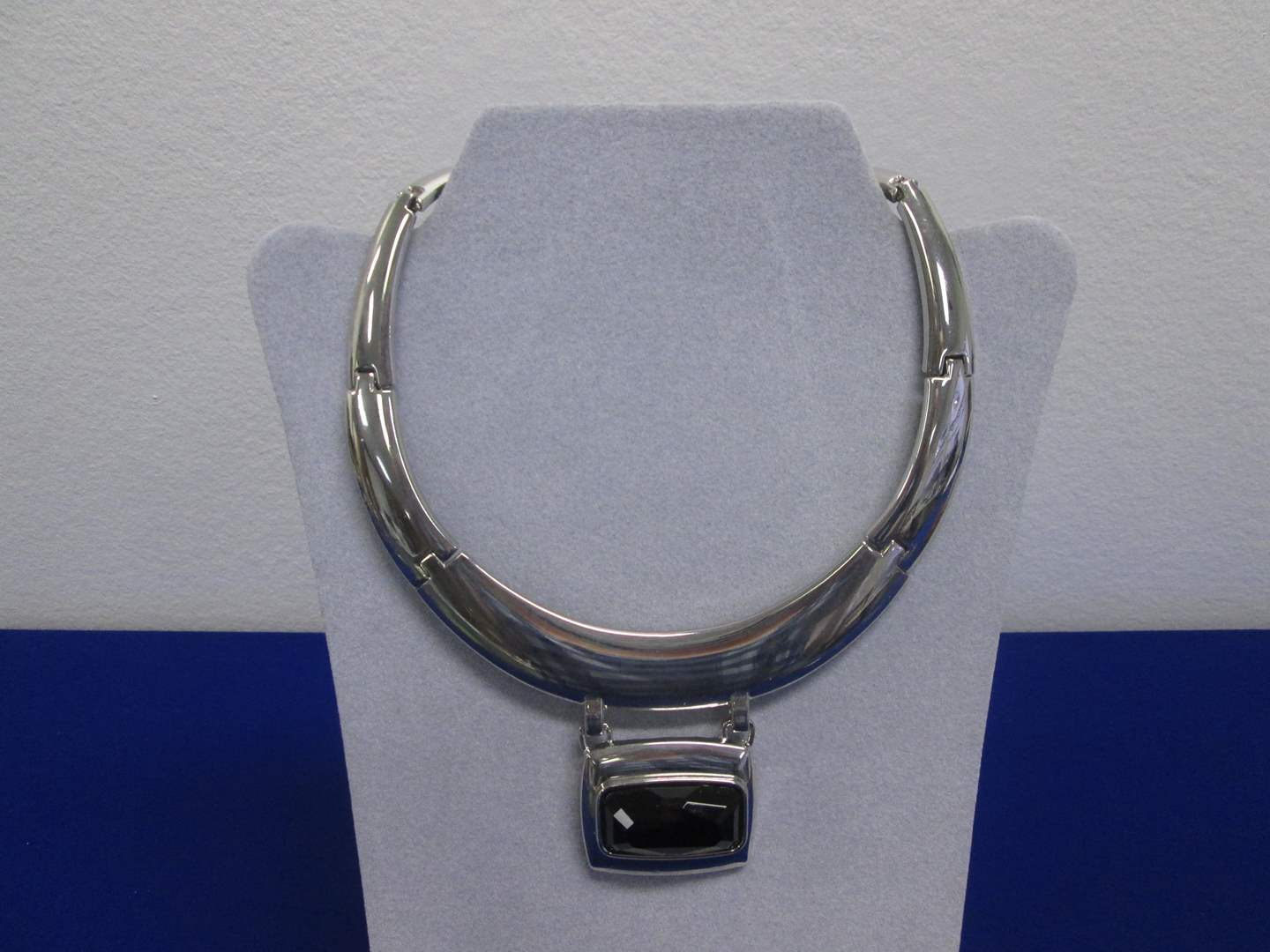 Lot # 133 - Collar-Style Costume Jewelry by White/Black Brand (main image)