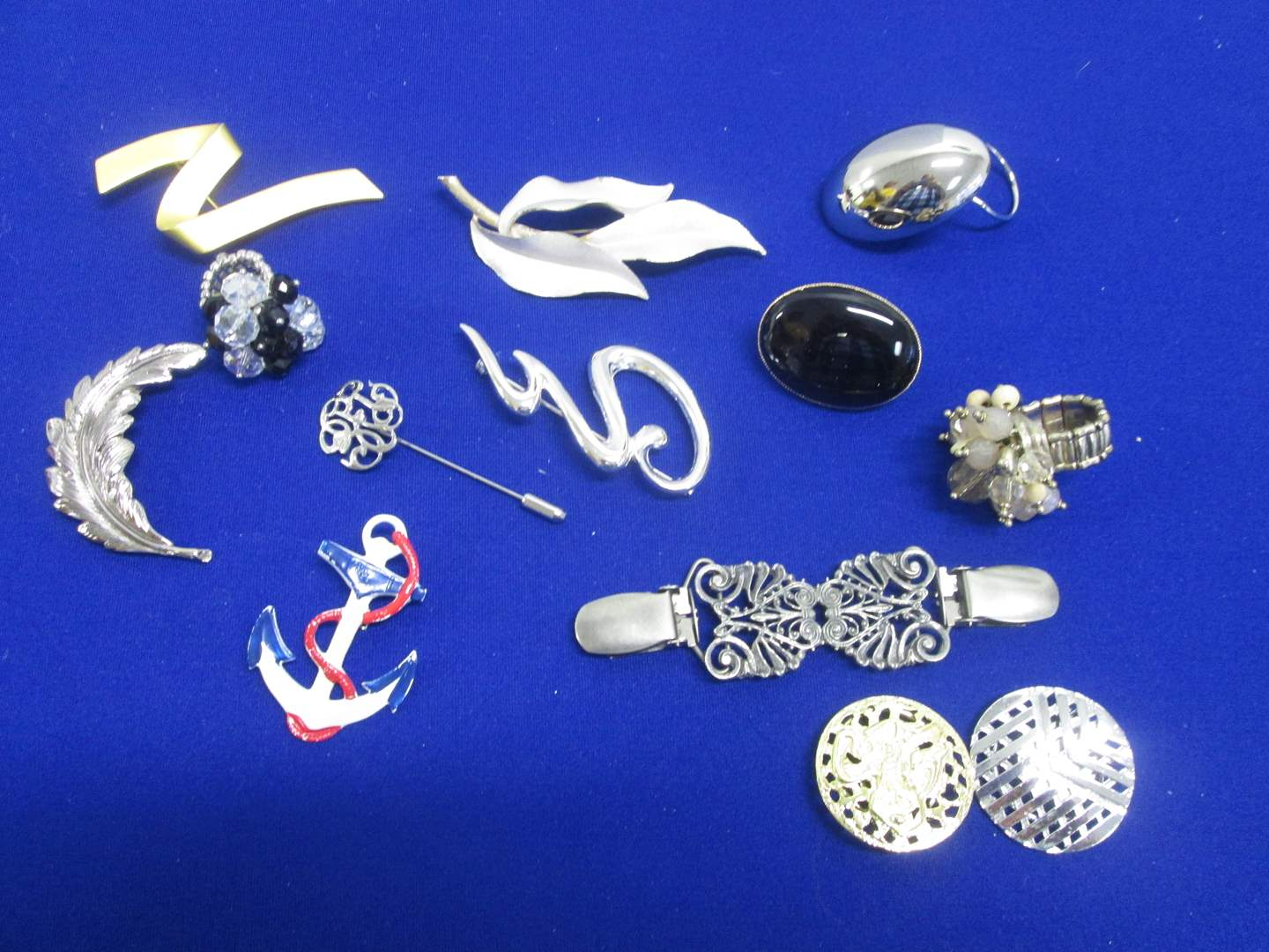 Lot # 145 - 12 Assorted Costume Jewelry Pieces (main image)