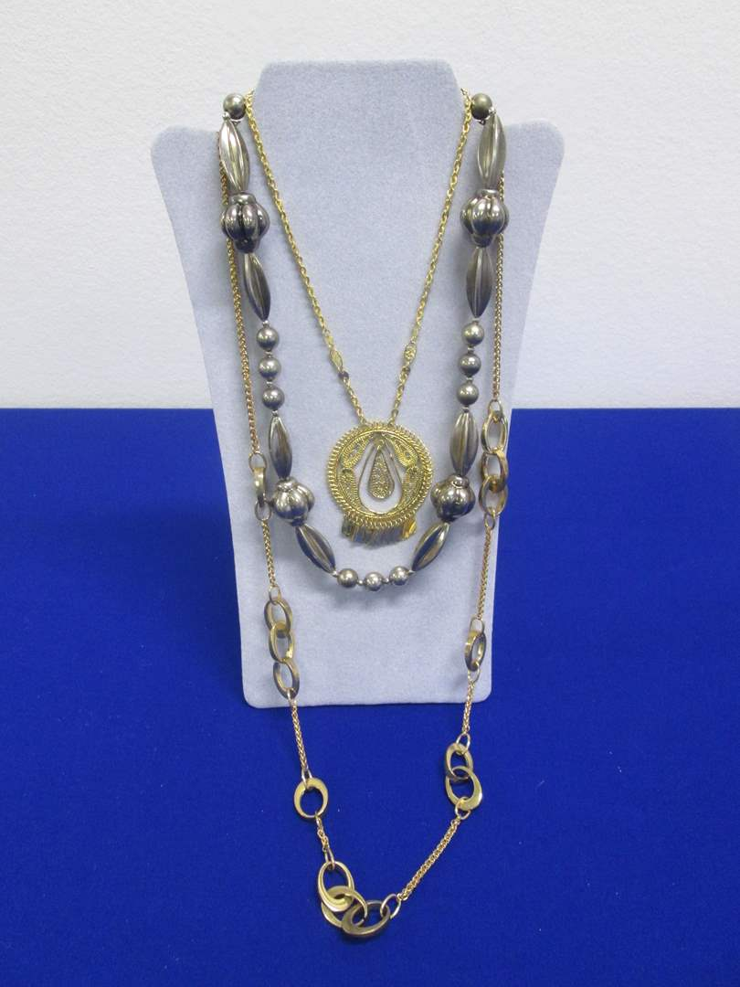 Lot # 146 - 3-Costume Jewelry Necklaces (main image)