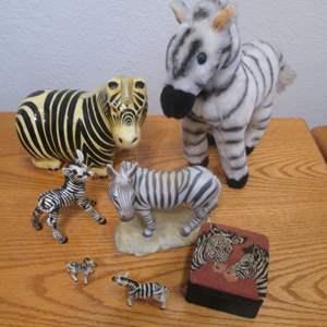 Lot # 89 - Zebra Collectibles, Mexico, Aldon