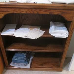 Lot # 100 - 3-Shelf Bookcase