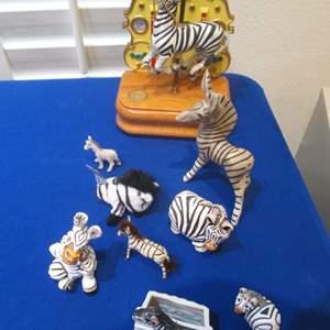 Lot # 101 - Musical Carousel Zebra & Friends