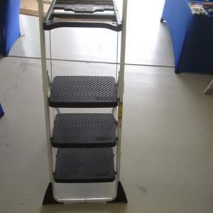 Lot # 28 - Cosco Step Ladder