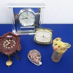 Lot # 137 - 5-Pieces (3-Clocks)