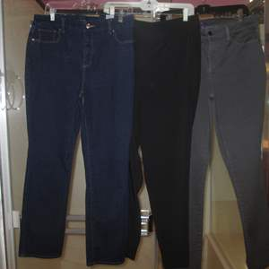 Lot # 156 - 3-Pair Ladies Jeans/Slacks