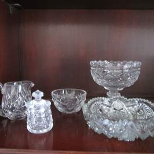 Lot # 211 - 5-Glass Serving Pieces