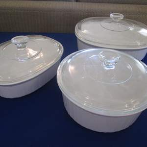 Lot # 310 - Corning Ware Pieces with Lids