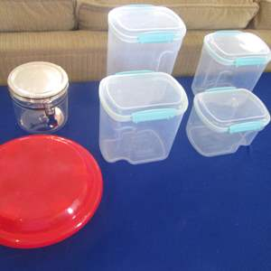 Lot # 286 - 4-Piece Canister Set +++