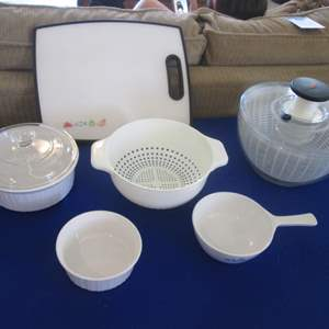 Lot # 287 - Corning Ware, Salad Spinner, Cutting Board, Colander