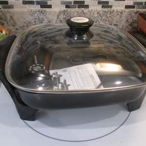 Lot # 295 - Presto Electric Fry Pan