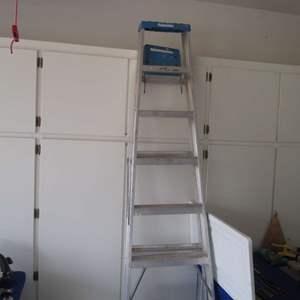 Lot # 19 - 8' Ladder
