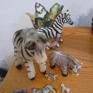 Lot # 83 - Zebra Collectibles, including Fitz & Floyd Classics