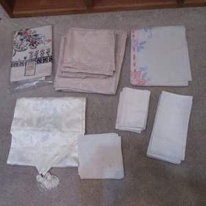 Lot # 107 - Table Linens; Cloths & Napkins