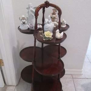 Lot # 111 - Antique Clover-Leaf Side Table