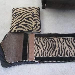 Lot # 234 - Zebra Pattern Pillow & Runner