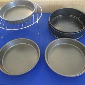 Lot # 318 - Cake Pans & Cooling Rack