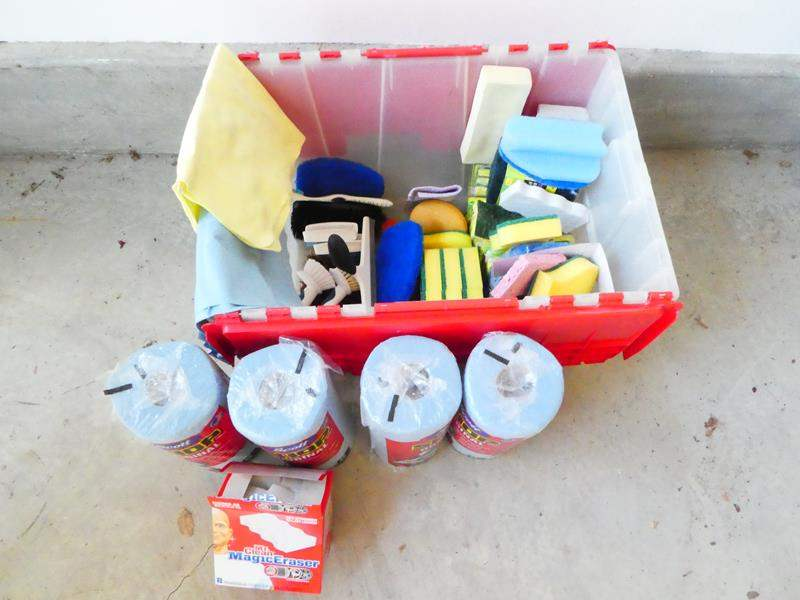 Lot # 209-Cleaning bin with sponges, scrubbers, shammie, paper towels and more (main image)