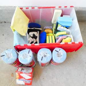 Lot # 209-Cleaning bin with sponges, scrubbers, shammie, paper towels and more