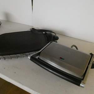 Lot # 14-Kitchen Appliances! Hot plate, waffle iron, toaster grill, coffee mug heater! All great brands!