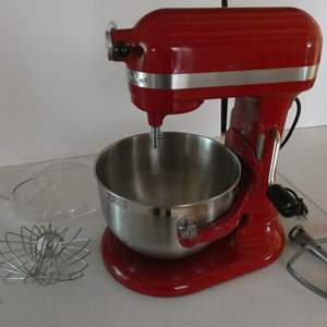 Lot # 15- Kitchen Aid mixer! Mint condition! Ruby red!