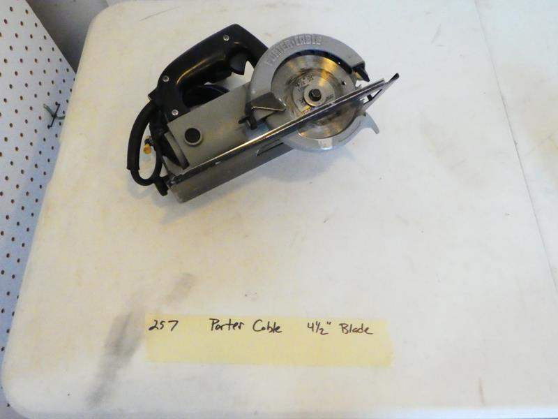 Lot # 257- Porter Cable circular saw. (main image)