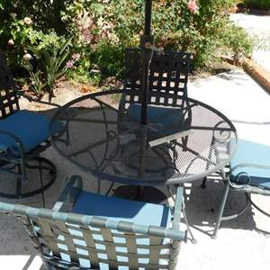 Lot # 370-Cute Metal patio table , 4 chairs and umbrella!