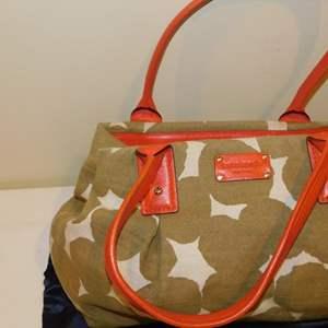 Lot # 404-Like new Kate Spade handbag-like new