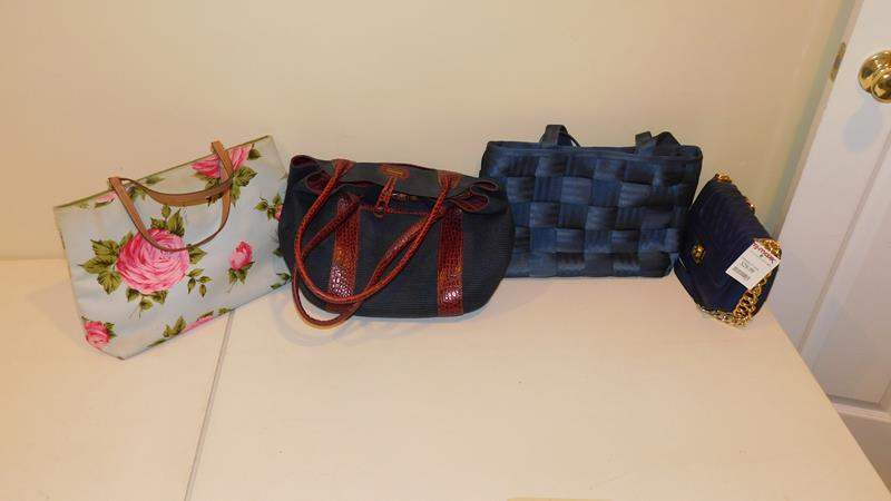 Lot # 414-4 Assorted cute hand bags (main image)
