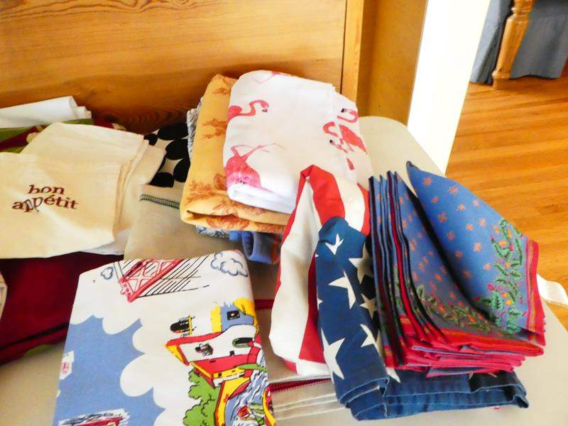 Lot # 50- Cloth napkins & table clothes! everything you need (main image)