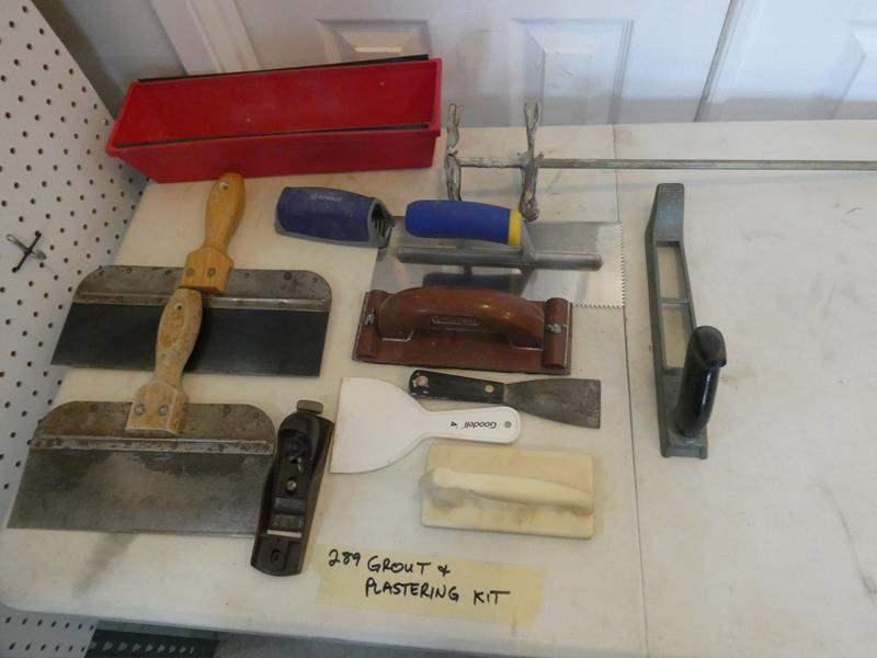 Lot # 289- Mudding kit. (main image)