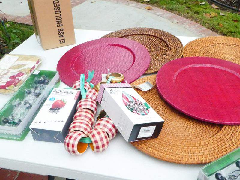 Lot # 317-yard art! Barbecue summer fun lot! (main image)