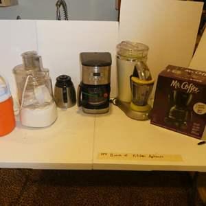 Lot # 354-Kitchen appliances! Everything your kitchen needs