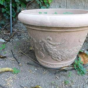 Lot # 371-See all pictures for this one! Plastic planter pot, Metal standing planter, Metal vine crawling yard art
