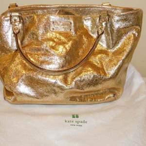 Lot # 399-Kate spade handbag, like new