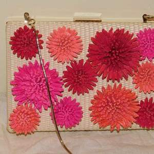 Lot # 401-Adorable Kate Spade hand bag- like new