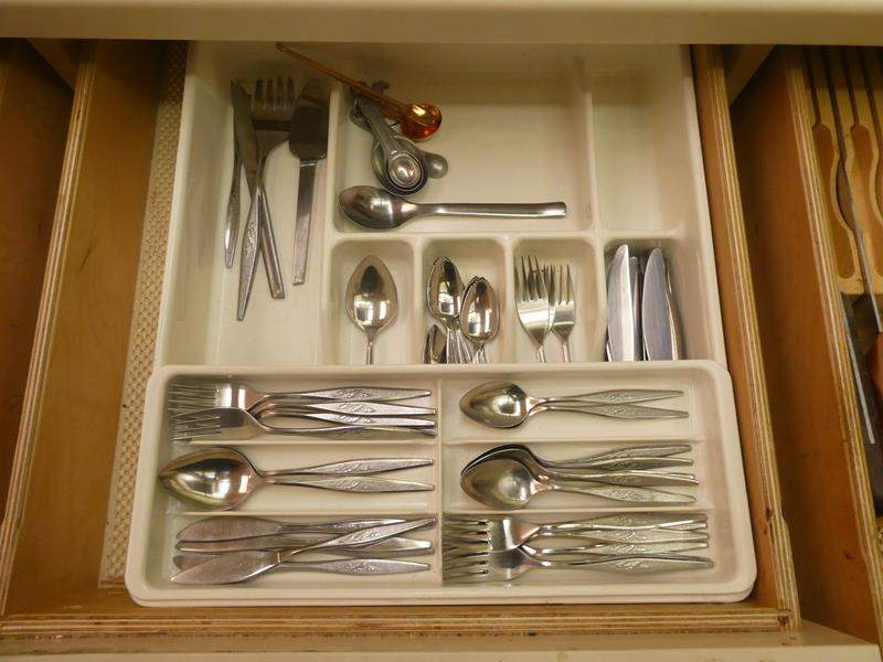 Lot # 36-flatware, kitchen utensils, and more. See all pictures (main image)