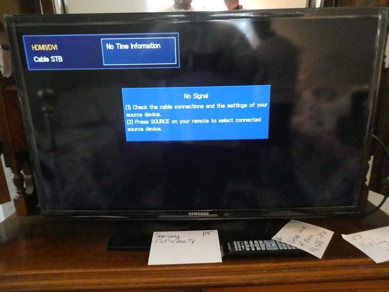 Lot # 115- Samsung flat screen TV 32 inch (main image)